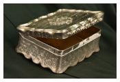 Silver snuff box presented in 1868